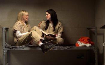 Orange is the New Black: Taylor Schilling e Laura Preporn interpretano Piper e Alex