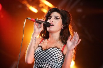 Amy - The Girl Behind the Name: Amy Winehouse in una scena del documentario a lei dedicato e diretto da Asif Kapadia
