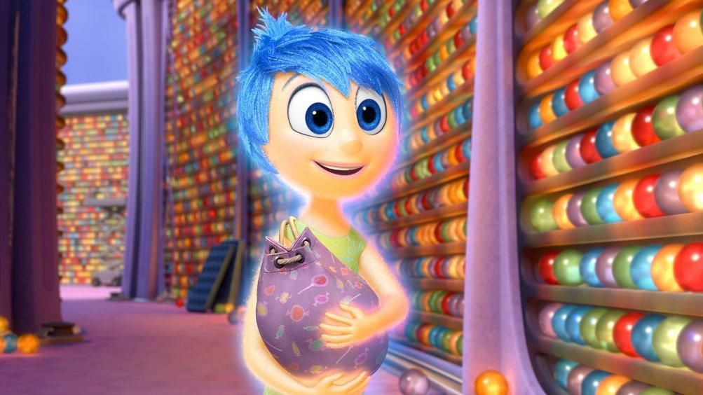 Inside Out: il sorriso di Gioia in una scena del film d'animazione