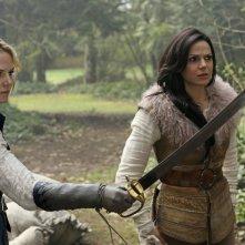C'era una volta: Jennifer Morrison e Lana Parrilla interpretano Emma e Regina in Operation Mongoose
