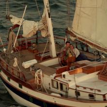 Revenge: Nick Wechsler ed Emily VanCamp in una scena della puntata intitolata Two graves