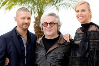 Mad Max: Fury Road - Tom Hardy e Charlize Theron con il regista George Miller a Cannes