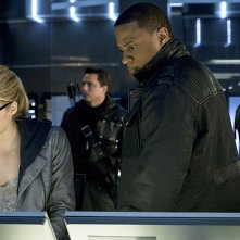 Arrow: Emily Bett Rickards, David Ramsey, John Barrowman e Stephen Amell in My Name Is Oliver Queen