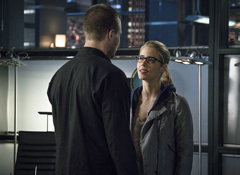 Arrow Season 3 Episode 23 Oliver And Felicity Talk