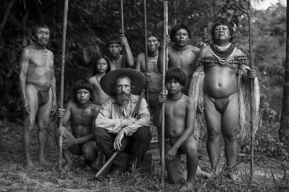 El abrazo de la serpiente: una foto di gruppo dal film di Ciro Guerra