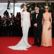 Cannes 2015 - Emma Stone, Woody Allen e Parker Posey posano per le foto sul red carpet