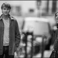 In the Shadow of Women: Stanislas Merhar e Clotilde Courau in una scena del film di Philippe Garrel