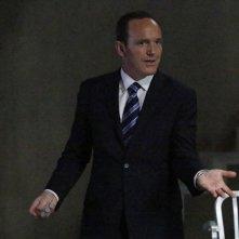 Agents of S.H.I.E.L.D.: Clark Gregg in una scena del season finale intitolato S.O.S.