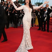 Cannes 2015: Andie MacDowell sul red carpet del film The Sea of Trees