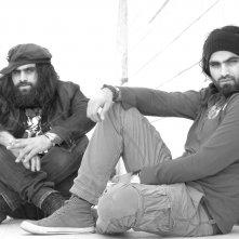 Dégradé: Arab e Tarzan Nasser, i due registi del film, in una foto promozionale