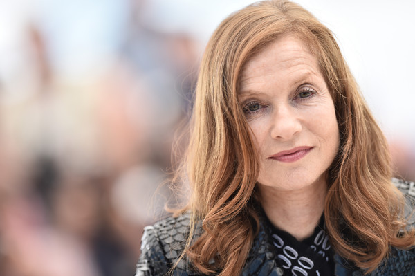 Louder Than Bombs: un primo piano di Isabelle Huppert al photocall di Cannes