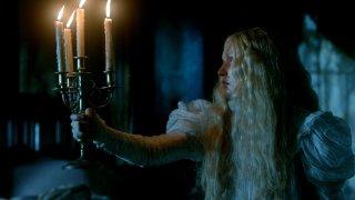 Crimson Peak: Mia Wasikowska in una scena del film