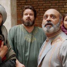 Pitza e datteri: Giuseppe Battiston con Mehdi Meskar, Hassani Shapi e Hafida Kassoui in una scena