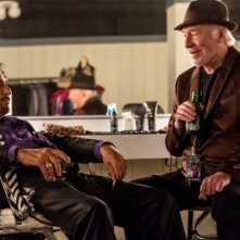 Al Pacino e Christopher Plummer in una scena del film Danny Collins