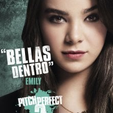 Pitch Perfect 2: il character poster italiano di Emily (Hailee Steinfeld)