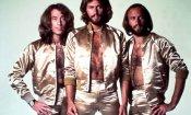 Richard Curtis firmerà un film biografico dedicato ai Bee Gees
