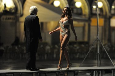 Youth - Youth: Michael Caine and Madalina Ghenea in one scene