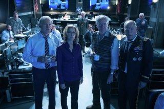 Big Game - Caccia al Presidente: Jim Broadbent, Victor Garber, Felicity Huffman e Ted Levine in una scena