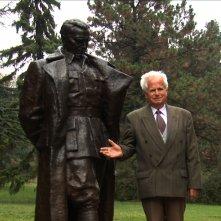 Cinema Komunisto: Leka Konstantinovic, proiezionista personale del presidente Tito, in una scena del documentario