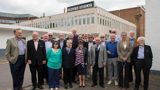La crew di Shining agli Elstree Studios 35 anni dopo l'uscita del film