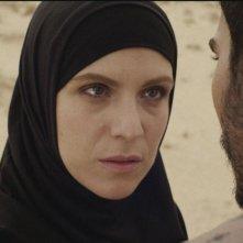 Una storia sbagliata: Isabella Ragonese e Mehdi Dehbi in una scena del film