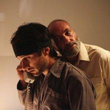 Rosewater: Gael García Bernal e Kim Bodnia in una scena