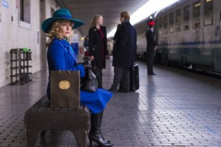 Hannibal: Gillian Anderson è Bedelia du Maurier in una scena di Antipasto