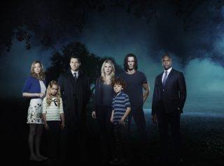 The Whispers: il cast della serie