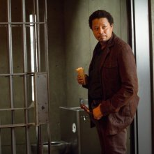Wayward Pines: Terrence Howard in una scena di Do Not Discuss Your Life Before