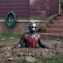 Ant-Man: Paul Rudd sbuca dal terreno