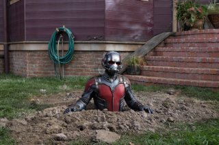 Ant-Man: Paul Rudd sbuca dal terreno
