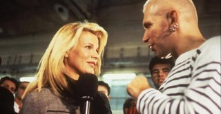 Kim Basinger e Jean Paul Gaultier in Pret-a-Porter di Altman