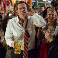 Affare fatto: Vince Vaughn scalmanato durante una festa in una scena del film