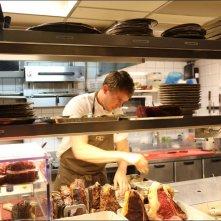 Steak (R)evolution: cuoco all'opera in un'immagine del documentario