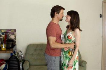 La regola del gioco: Jeremy Renner con Rosemarie DeWitt in un'immagine del film