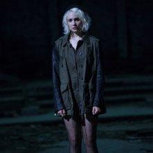 Sense8: l'attrice Tuppence Middleton in una scena del primo episodio