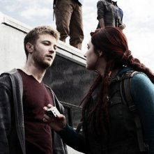 Z Nation: Michael Welch e Anastasia Baranova in Fracking Zombies