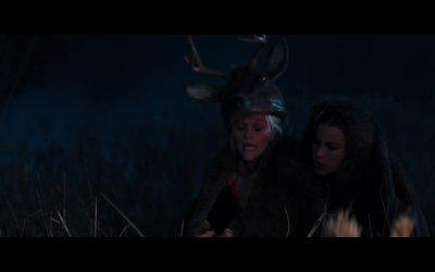 Clip 'Versi da cervo' - Fuga in tacchi a spillo