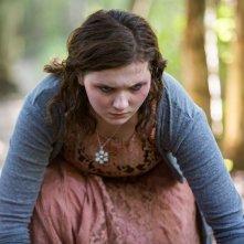 Contagious: la 'contagiata' Abigail Breslin in una scena del film