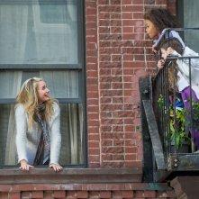 Annie - La felicità è contagiosa: Quvenzhané Wallis e Cameron Diaz in una scena del film