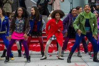 Annie - La felicità è contagiosa: Quvenzhané Wallis in una scena di ballo tratta dalla commedia musicale