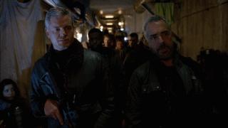 The Last Ship: gli attori Eric Dane e Titus Welliver in una foto della puntata Unreal City