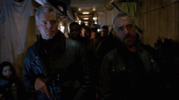 The Last Ship: gli attori Eric Dane e Titus Welliver in una foto della puntata Unreal City
