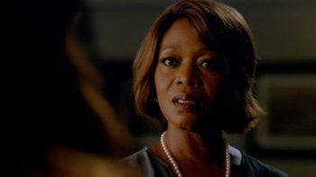 The Last Ship: l'attrice Alfre Woodard in Unreal City