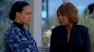 The Last Ship: Christina Elmore e Alfre Woodard in un'immagine di Unreal City