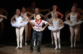 Tom Holland sul palco nei panni di Billy Elliot