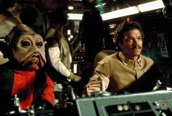 L'impero colpisce ancora: Billy Dee Williams alla guida del Millennium Falcon insieme al copilota Nien Nunb