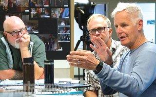 X-Files: Chris Carter durante un incontro con i produttori