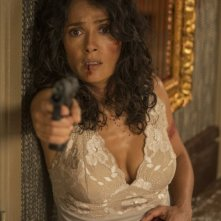 Everly: Salma Hayek in una drammatica scena del film