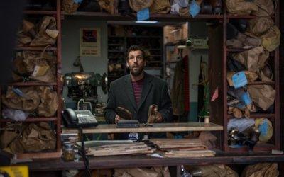 Mr. Cobbler e la bottega magica: Sandler alla deriva nella bottega di McCarthy
